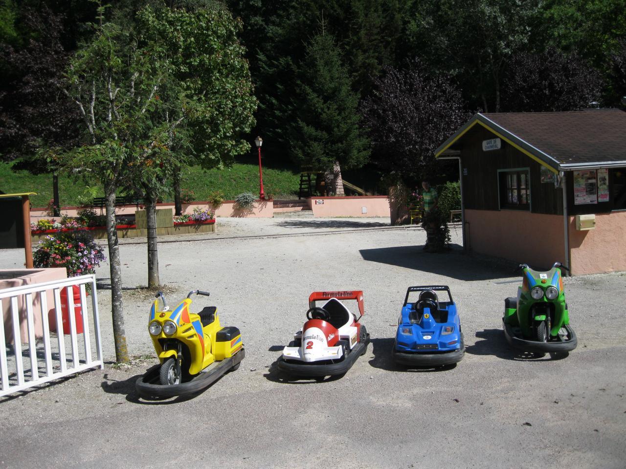 Circuit de motos voitures électriques